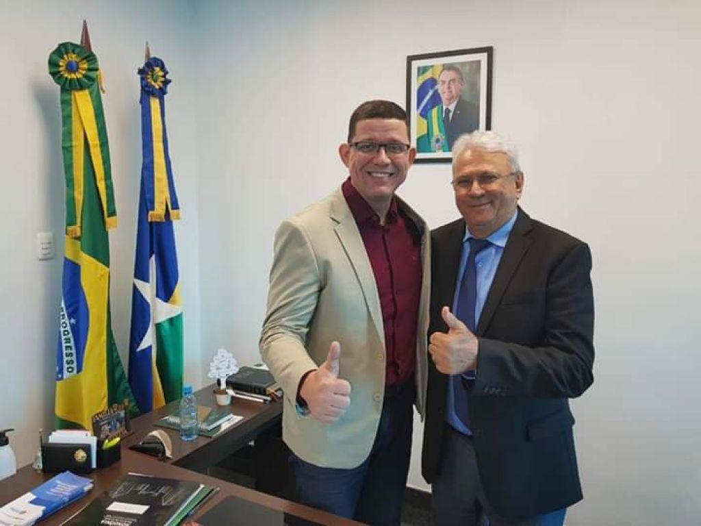 O GOVERNO DE RONDÔNIA MARCOS ROCHA E SEU VICE ZÉ JODAN EM REUNIÃO REFORÇANDO A AGENDA PELO ESTADO