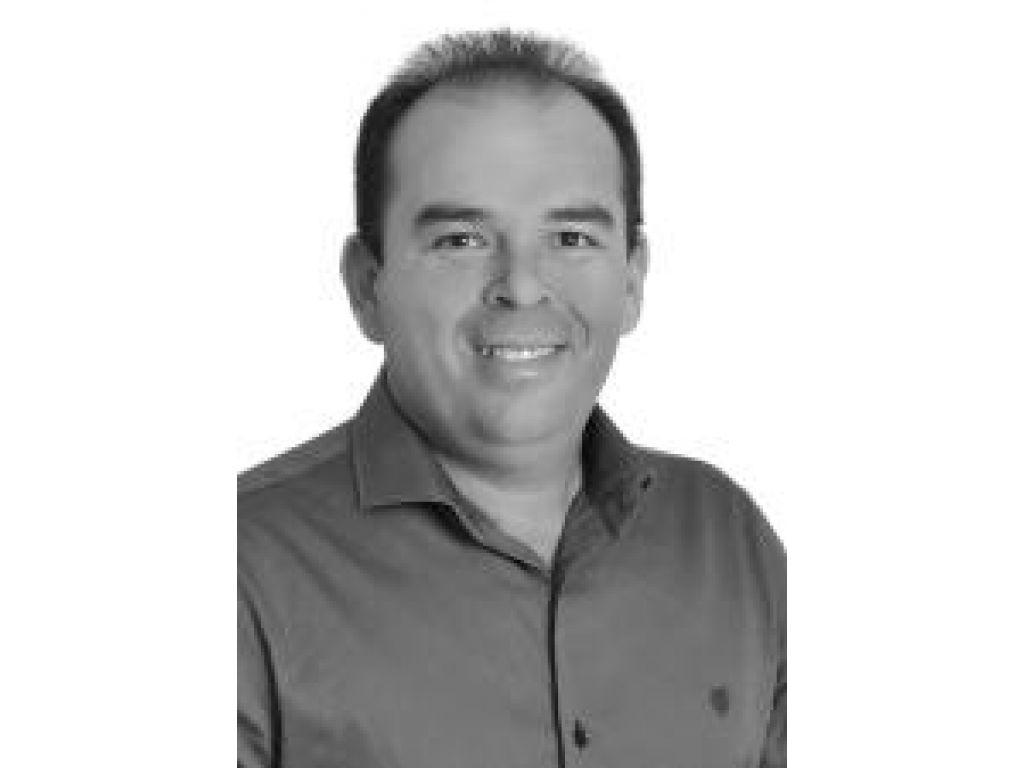 SEPULTADO: PACOTE DE MALDADES DE HELIO MENDES É ENTERRADO PELA CÂMARA DE VEREADORES, MAS O QUE HÁ POR TRAS DE TANTAS INVESTIDAS CONTRA OS CONCURSADOS.