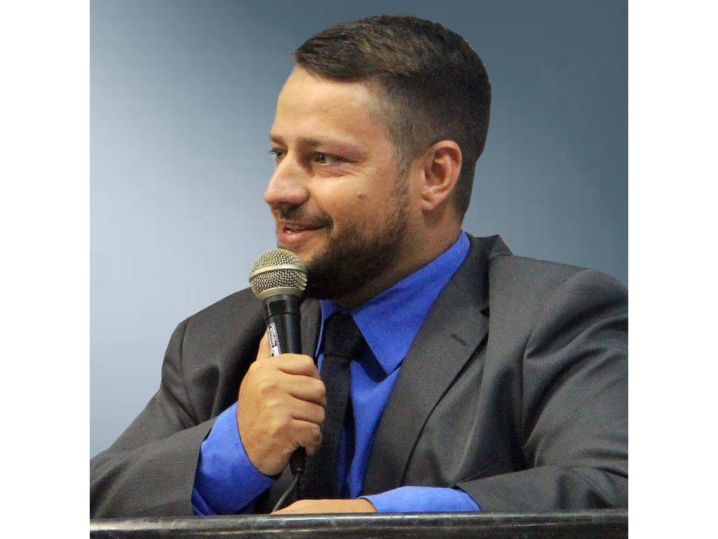 DESABAFO: Vereador de Rolim de Moura ( RO ) Uender Nogueira ( PSL ) na sessão ordinária chama governador de MENTIROSO foi enfático e desabafa sua indignação com o governador Marcos Rocha