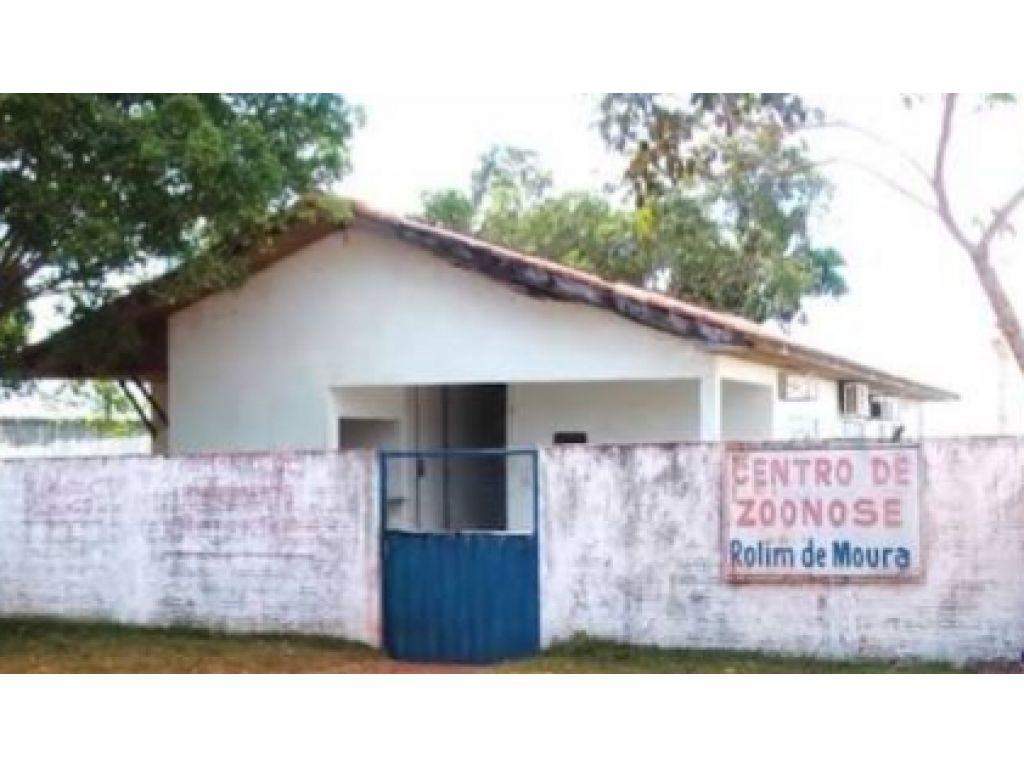 URGENTE: Rolim de Moura  mais um descaso e vergonhas no ( CCZ ) Centro de controle de zoonoses mal administrado por servidores municipais que ainda não sabe o que está fazendo ali