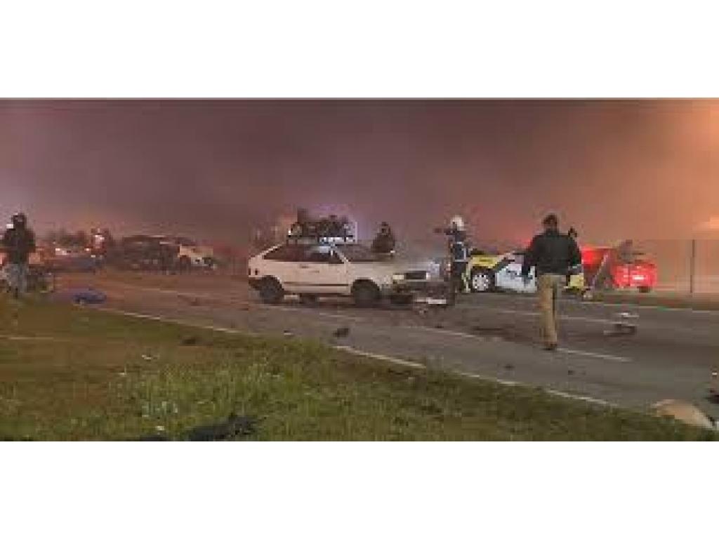 São José dos Pinhais Pr:  Após acidente com oito mortos na BR-277, PRF dá dicas de como dirigir em rodovias com pouca visibilidade