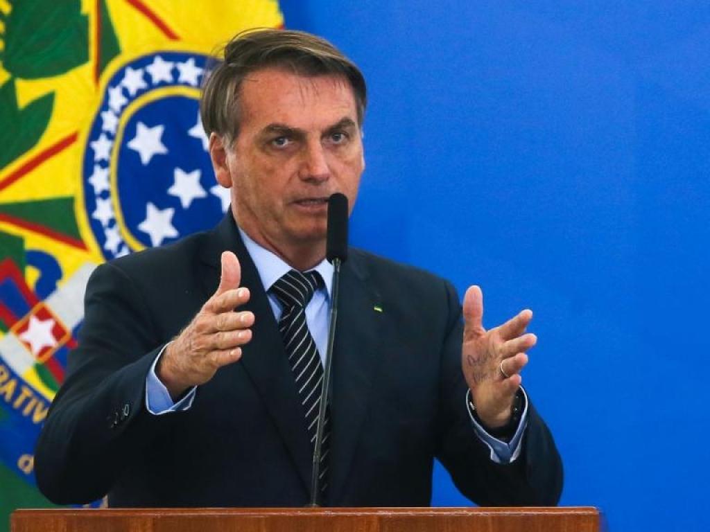 Bolsonaro sanciona lei que operacionaliza pagamento do programa de redução de jornada e salário