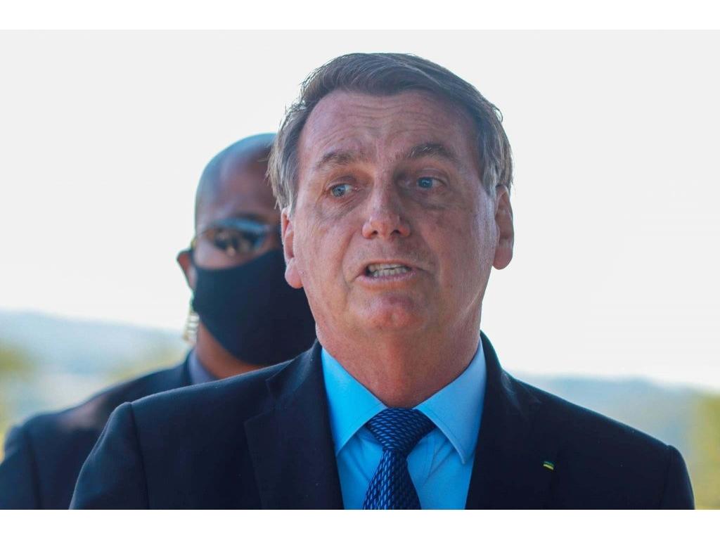 Após ouvir cobrança, Bolsonaro diz novamente que preço do arroz não será tabelado