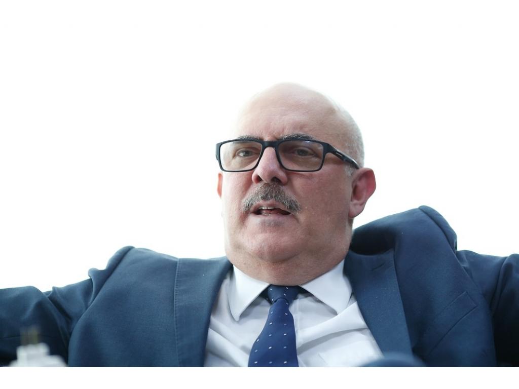 POLÊMICA: Ministro da Educação diz que gays vêm de 'famílias desajustadas' e que acesso à internet não é responsabilidade do MEC