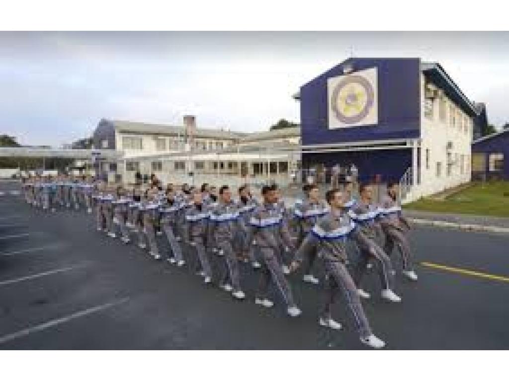 Paraná vai abrir consulta pública sobre modelo cívico-militar em mais 16 escolas, diz secretaria