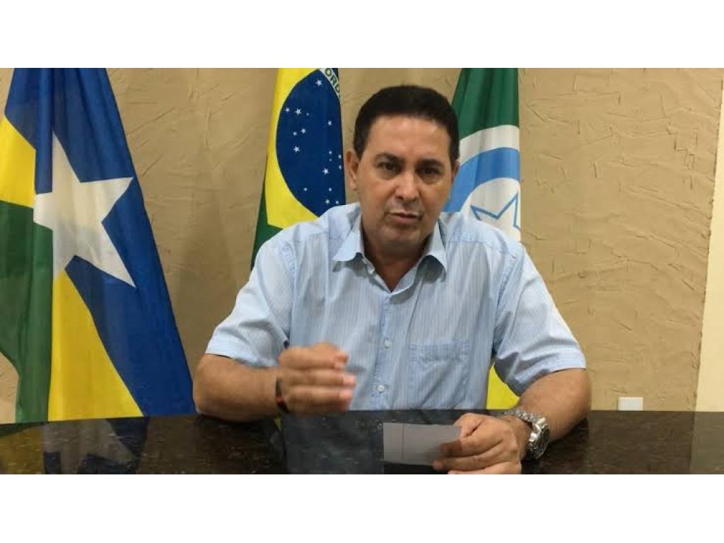 ATENÇÃO: Rolim de Moura, moradores cansado paga para fazer serviço público com dinheiro próprio